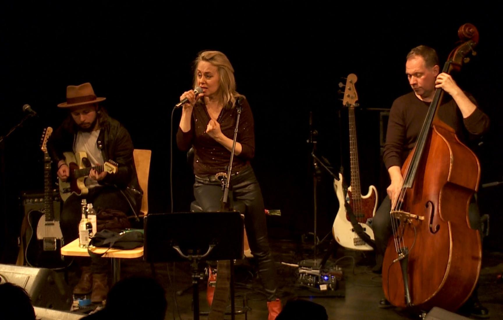 Louise Hoffsten i Kil